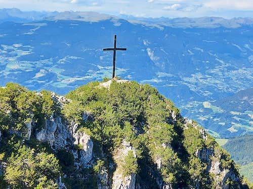Hike 9 from Tschafatsch Sattel to Hammerwand summit