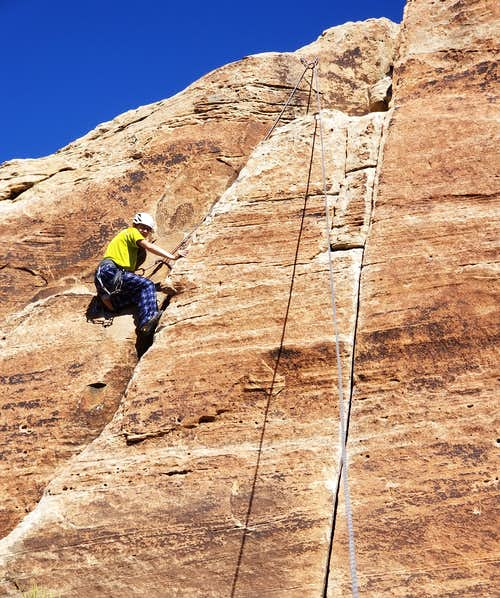 Kessler climbing Hands at the Bullet Hole Cliff Band