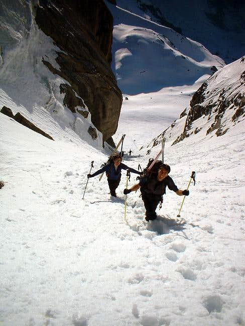 Climbing the couloir of becca...