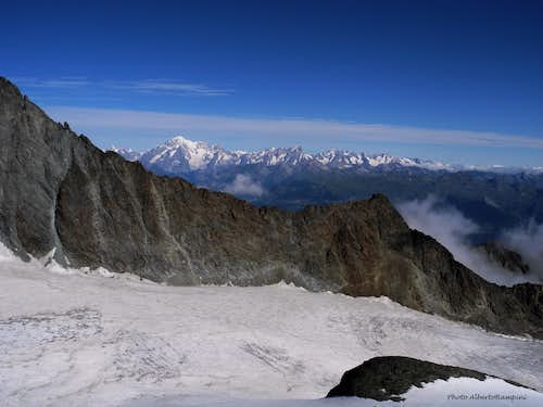 The Mont Blanc group seen from Punta Rossa della Grivola