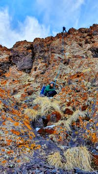 047_rappelling_off_ridge_to_North_Ledges_Angour