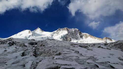 Back In Black : Jakosiri - Chachacomani traverse by the south ridges
