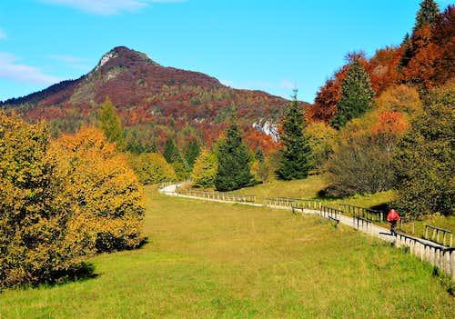 Monte Brento seen from Prai da Gom