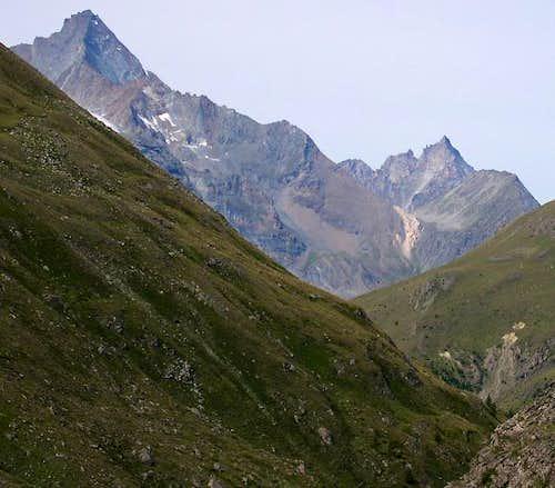 View of La Grivola subgroup from the neighbourhood of Alpi di Grauson Nuove