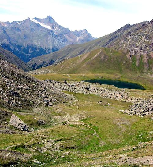 From the trail leading to Colle di Saint Marcel <i>2916 m</i>