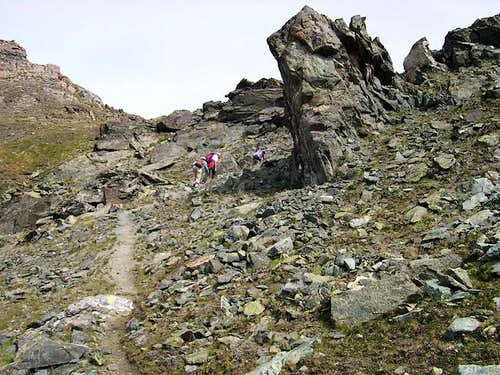 Last bends of the trail before Colle Saint Marcel <i>2916m</i>
