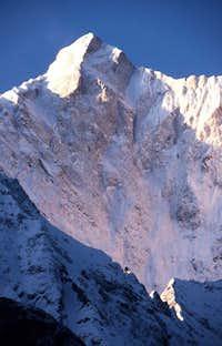 Makalu seen from Tibet.