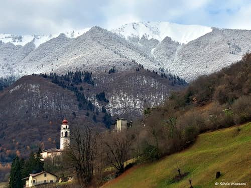 Cima d'Oro-Parì chain seen from Campi