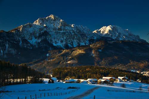 Hochstaufen and Zwiesel on a fine winter morning