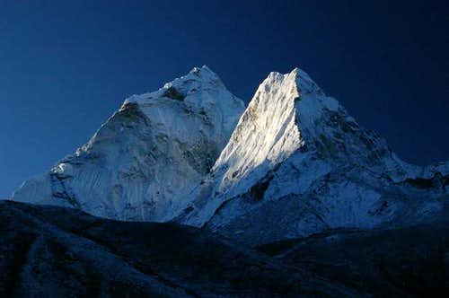 Sunrise on Ama Dablam seen...