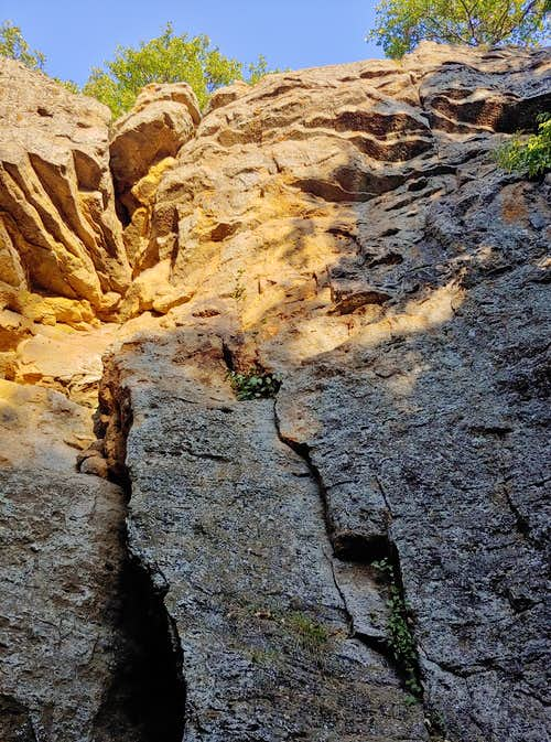 5.6-5.8 Routes on East Face of Cave Tower