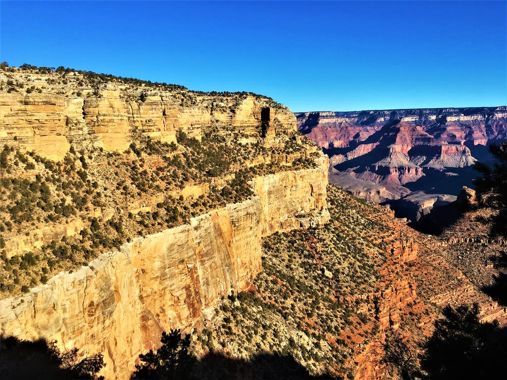 Starting down the Bright Angel Trail