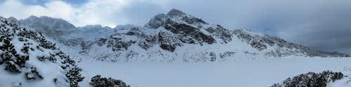 Czarny Staw Gąsienicowy - panorama of neighboring mountains