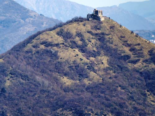Forte Diamante from the opposite western ridge of Valpolcevera
