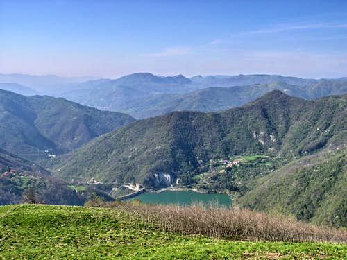 View of the Val di Noci lake from the summit of Alpesisa