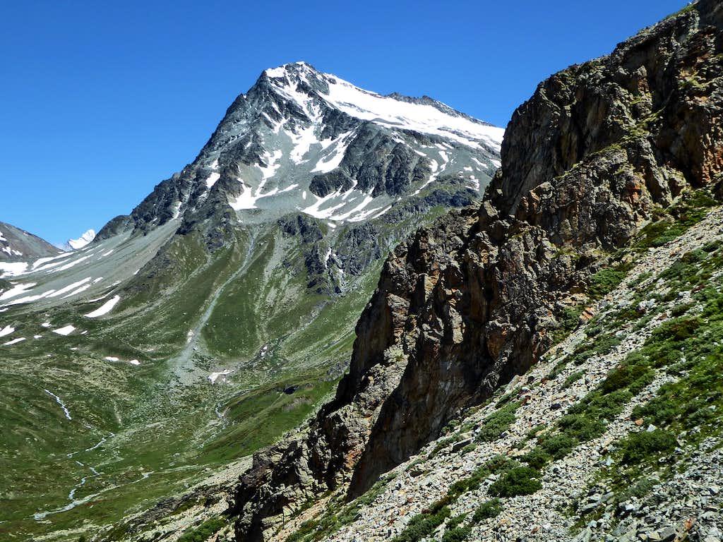 Mont Gelé and La Ruinette peeking out beyond Fenêtre Durand