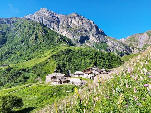 The hamlet of Grande Cruset