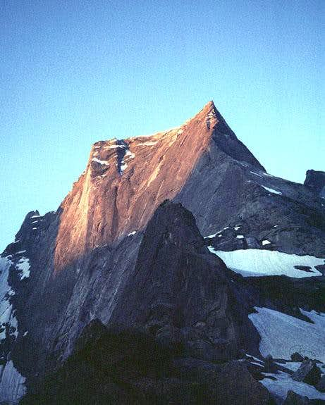 Sunrise on the N side of Piz Badile