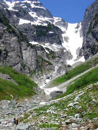 Ascent gully to Lemah Five.