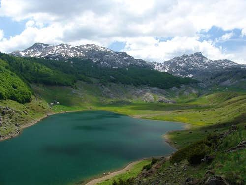 Rikavacko lake with katun...