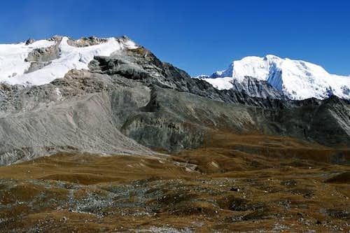 From the summit of Tsergo Ri...