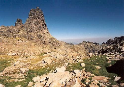 Risco Moreno (2,478 m / 8,129...