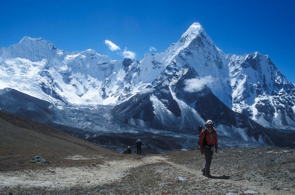 on route to Chukkung Ri