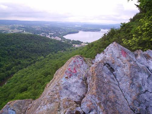 Cove Mountain / Hawk Rocks