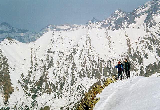 Near pass Vaha above valley...