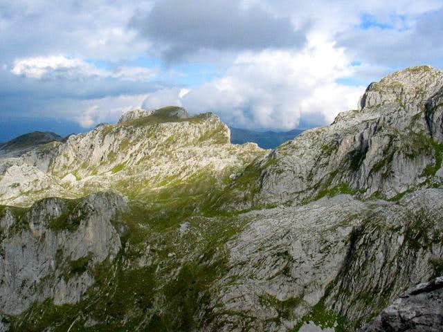 Podgoja (2021 m) peak and...