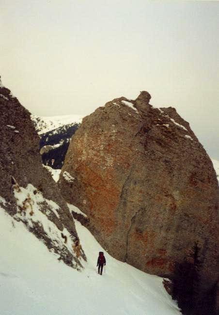 Turnul de arama - a big rock...