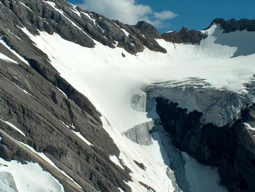 The small Twin Glacier. Route...