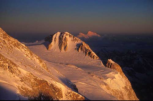 Kambachen (7903m) at dawn...