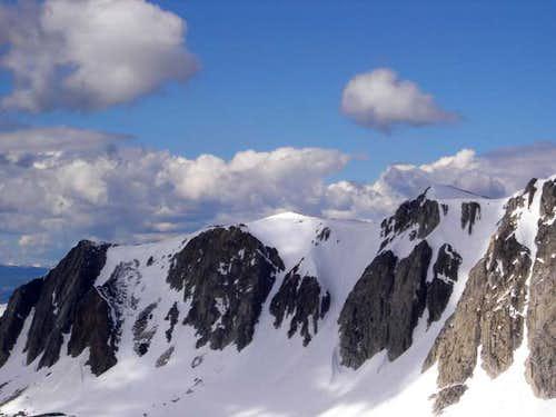 Excellent climbing routes...