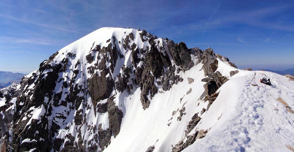 The Mahoma's passage near the summit of Aneto. 2005.05.25
