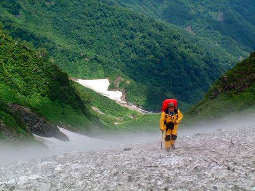 Climber on the Daisekkei (July)