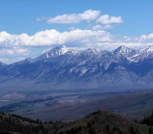 Borah Peak towers nearly 7000...