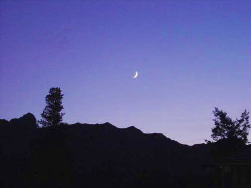 Moon from trailhead of Lady...