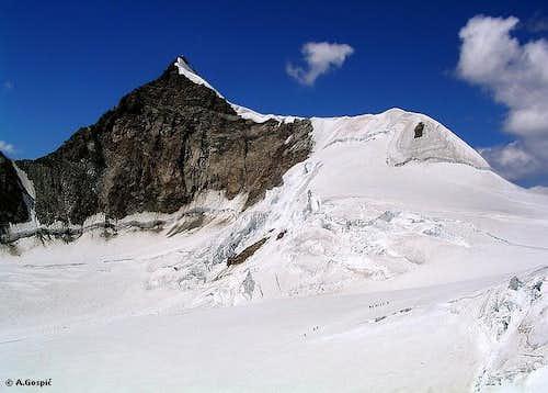 Lyskamm (4527m) (SW side)...