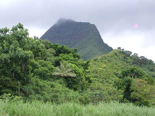 Olomana from the parking lot...