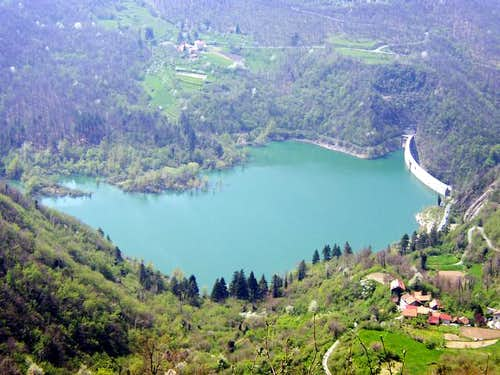 Mount Bano. Val Noci Lake...