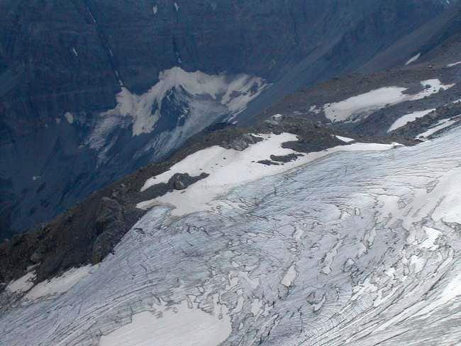 Plan Névé glacier and Refuge...