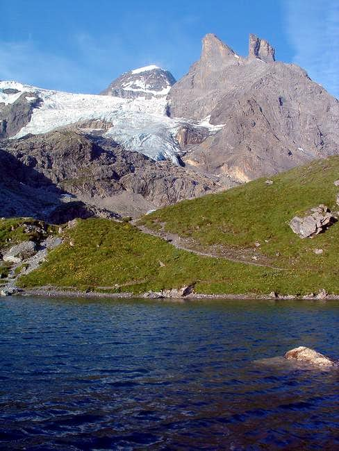 The romantic little lake...