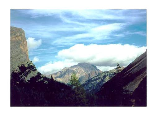 A W view of Monte Cristallo...
