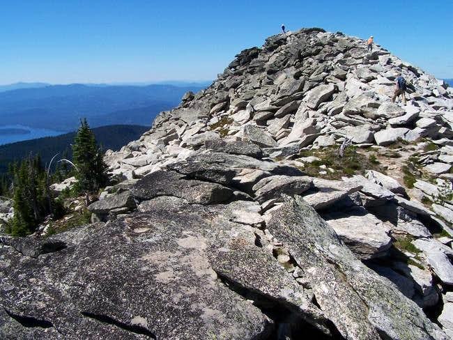 Rock-hopping up the west knob...