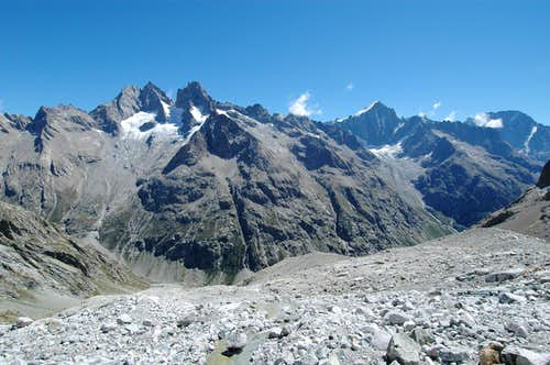 view of some of the Dauphiné main summits