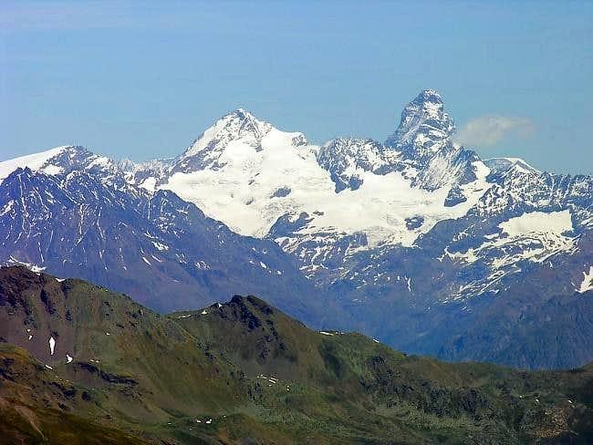 Dent d'Hérens <i>(4171 m)</i> and Matterhorn <i>(4478 m)</i>