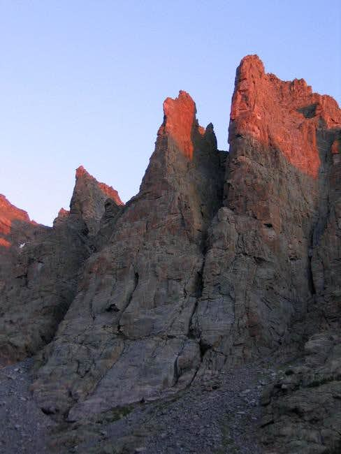 alpenglow on the petit grepon...