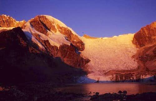 sunset at Laguna Glaciar...