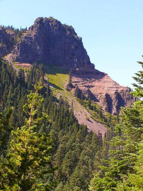 Cliffs below the lookout.